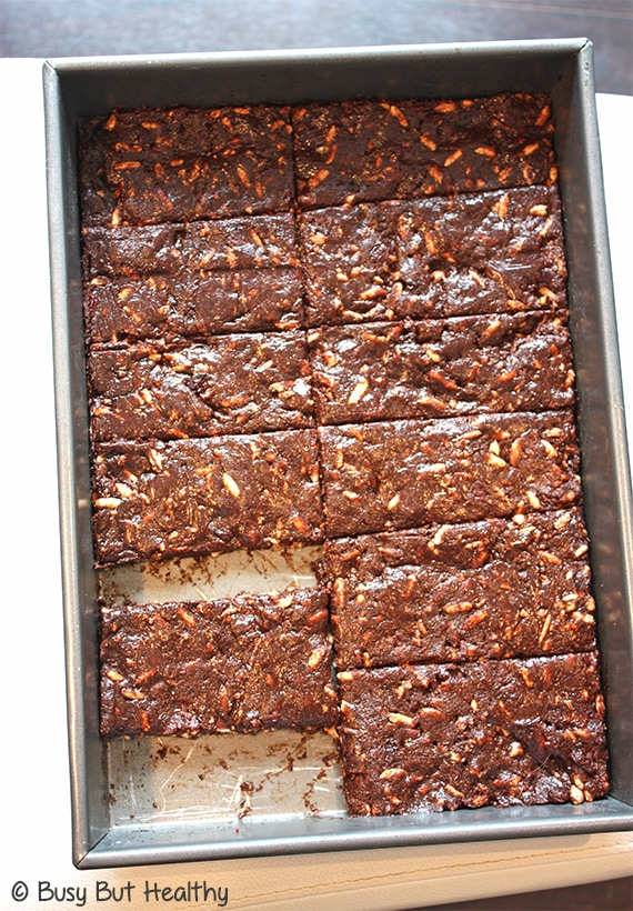 Chewy Chocolate Cherry Protein Bars_1